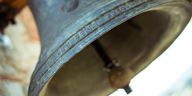 Das Bild zeigt eine Glocke